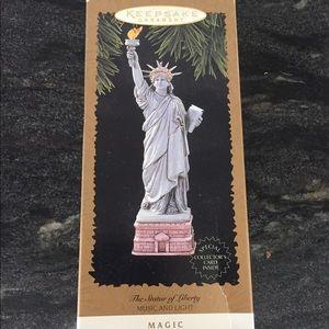 Hallmark Keepsake Ornament The Statue of Liberty
